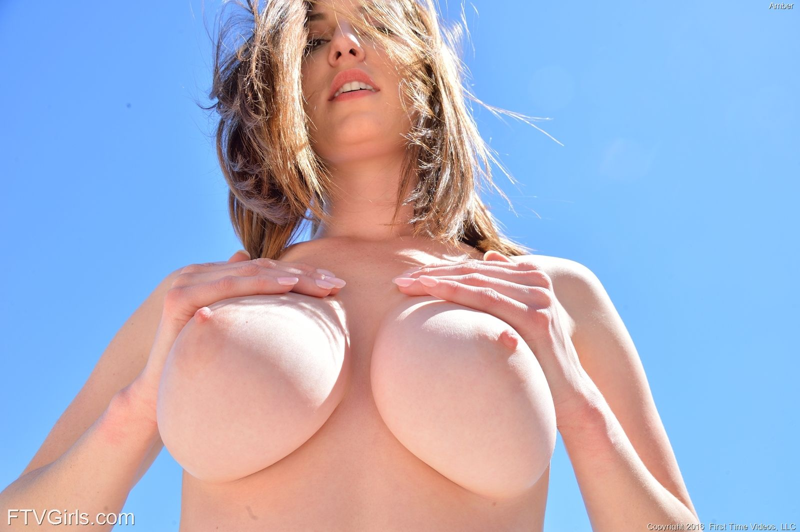Amber - PERFECT CURVES 03