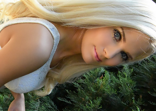 (外人モデルえろムービーとえろ写真)夏だ☆青姦だ☆青空の下でガッツリとJAPAN刀を楽しむカネ髪モデルww お外で中○しはキモチ良いらしいwwwwww