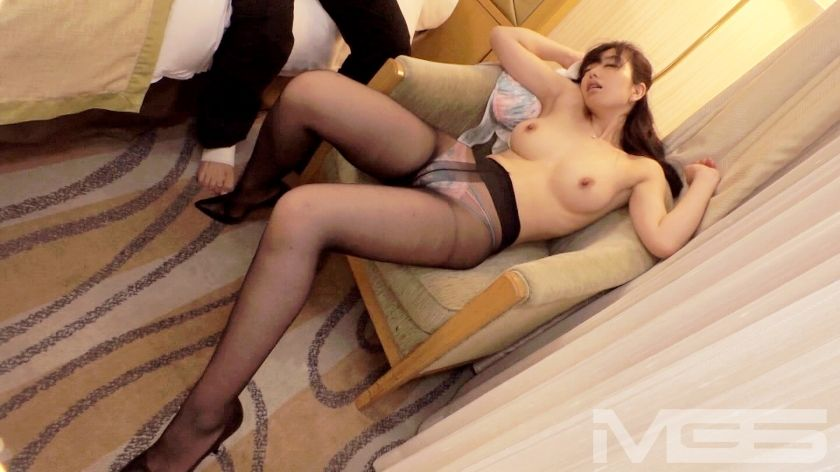 富田伊織 32歳 元企業受付嬢 08