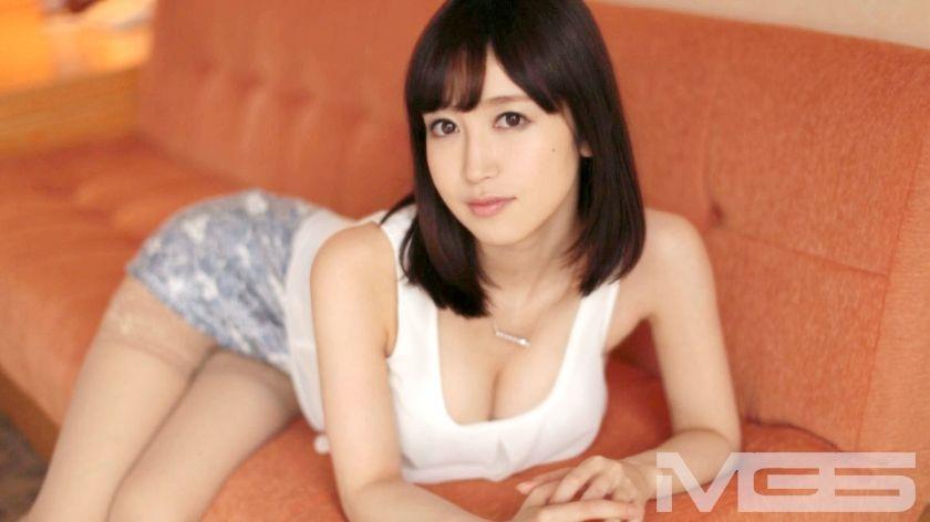 高木早希 26歳 社長秘書 02