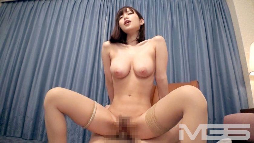 高木早希 26歳 社長秘書 15