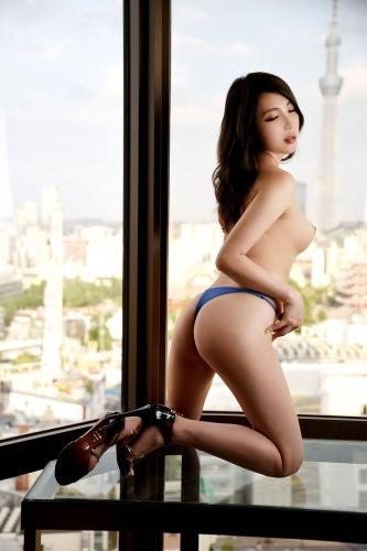 山田あゆ 30歳 ヘアメイクスタジオ経営 02
