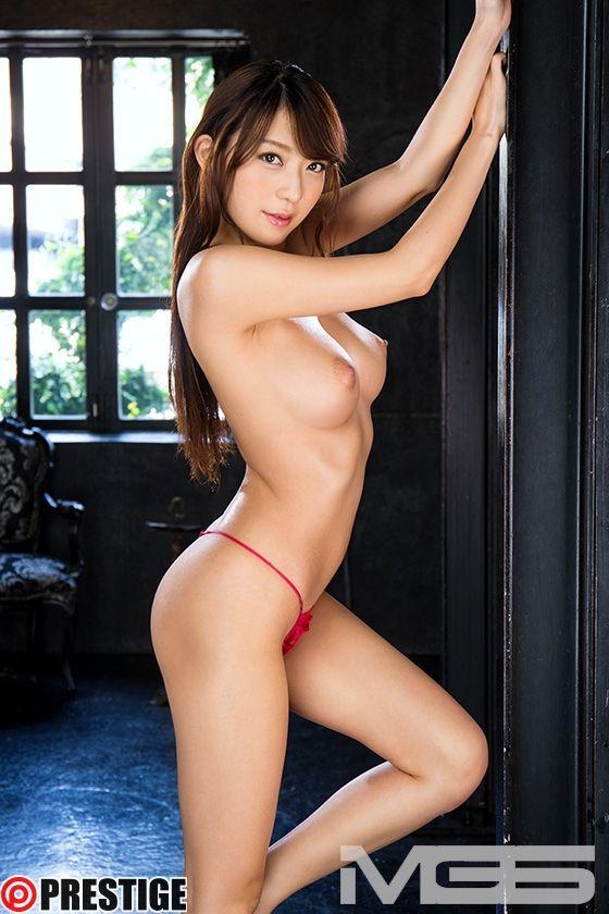 香椎りあ、その卑猥な曲線美 【MGSだけの特典映像付】 +15分 01