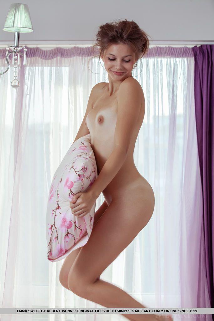 Emma Sweet - PINOVA 03