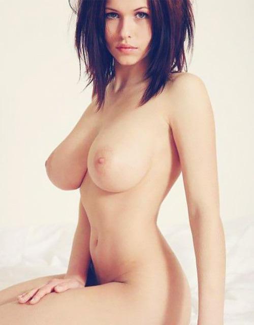 (外人)すっげーカワイいのにロケット乳なさすが海外モデルのポルノ写真