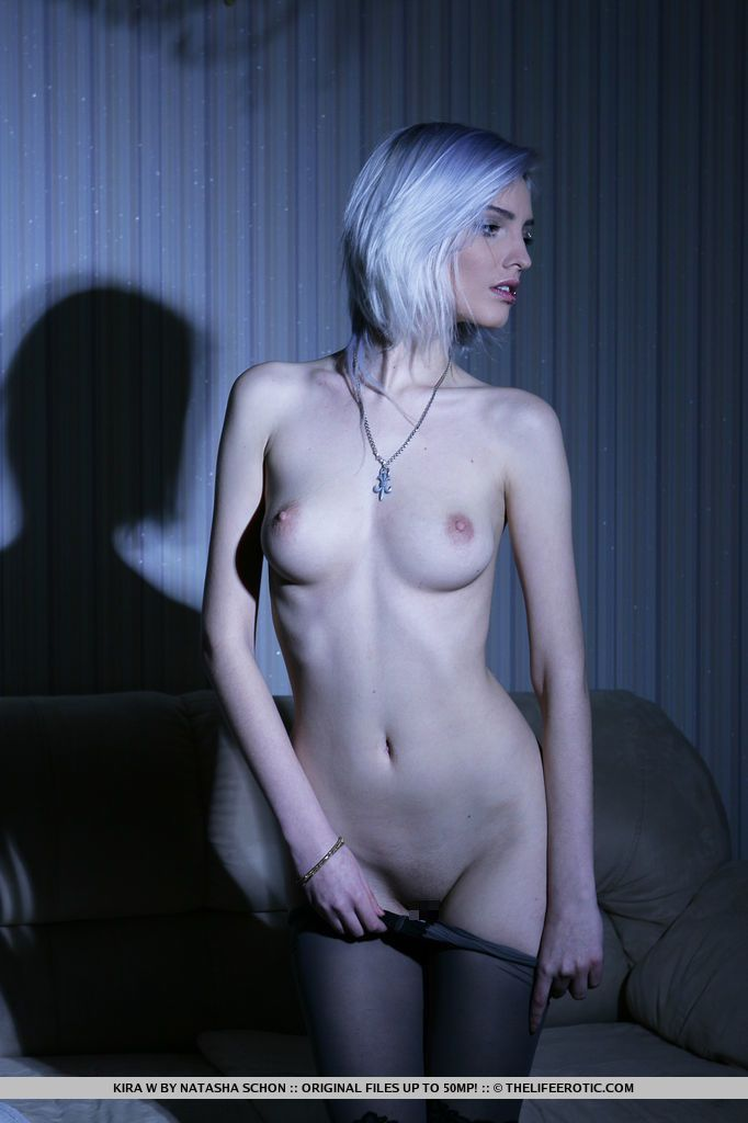 Kira W - TWILIGHT 02