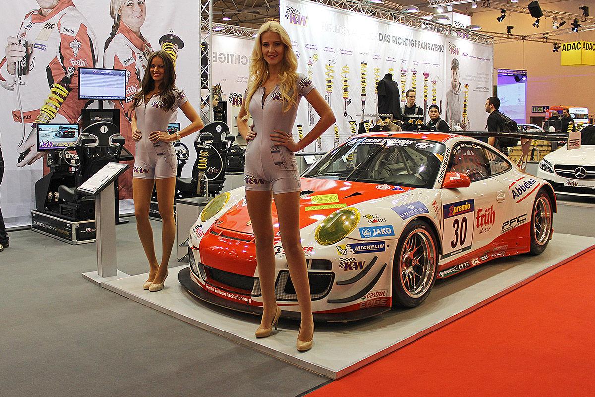 Essen-Motor-Show-2015-Hostessen-1200x800-07df4f883dce8a01.jpg