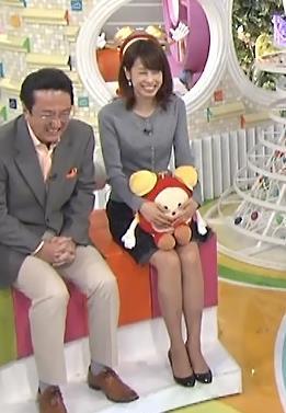 加藤綾子 ミニスカートキャプ・エロ画像7