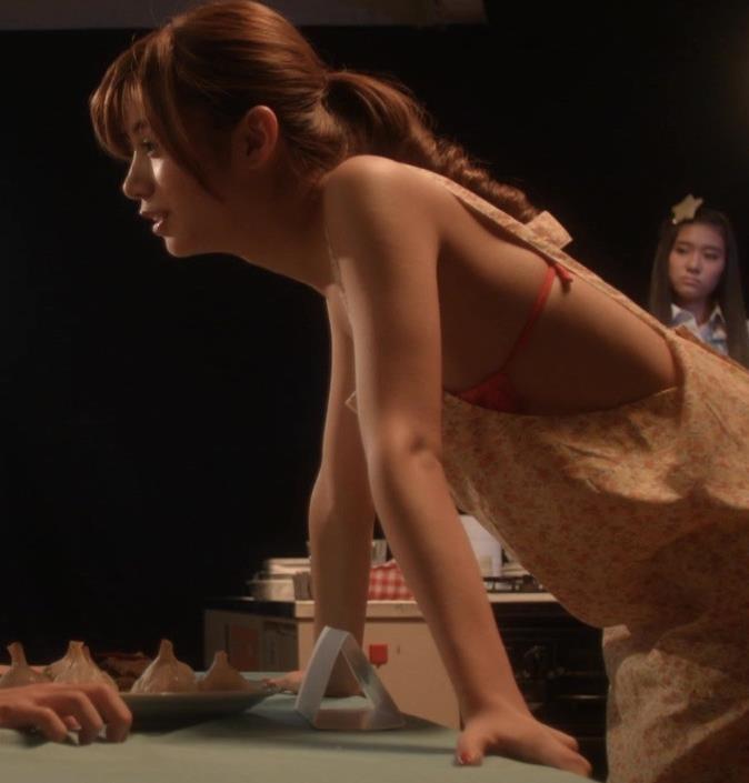 池田エライザ エロキャプ・エロ画像4