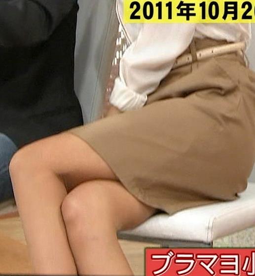 加藤綾子 足の組み換えキャプ・エロ画像6