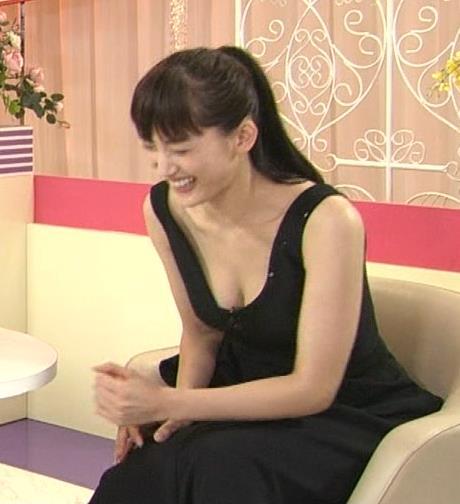 綾瀬はるか おっぱいキャプ・エロ画像
