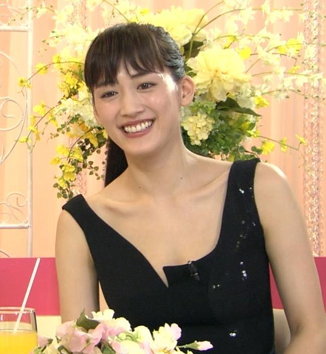 綾瀬はるか おっぱいキャプ・エロ画像3