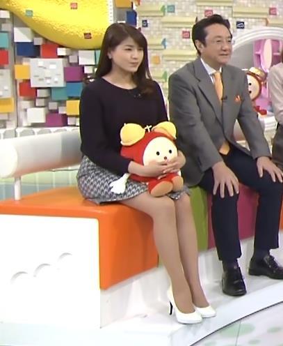 永島優美 ミニスカート画像