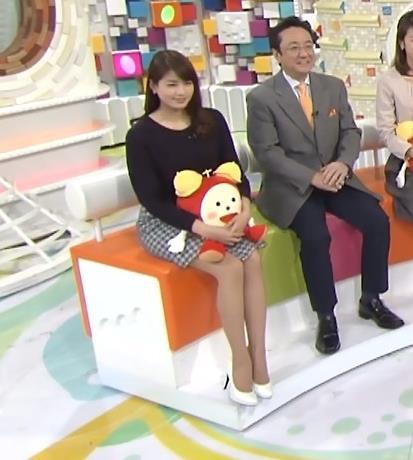 永島優美 ミニスカート画像4