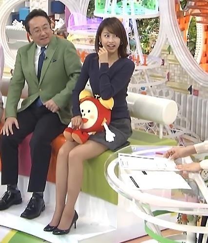 加藤綾子 ミニスカから太ももがかなり見えてた