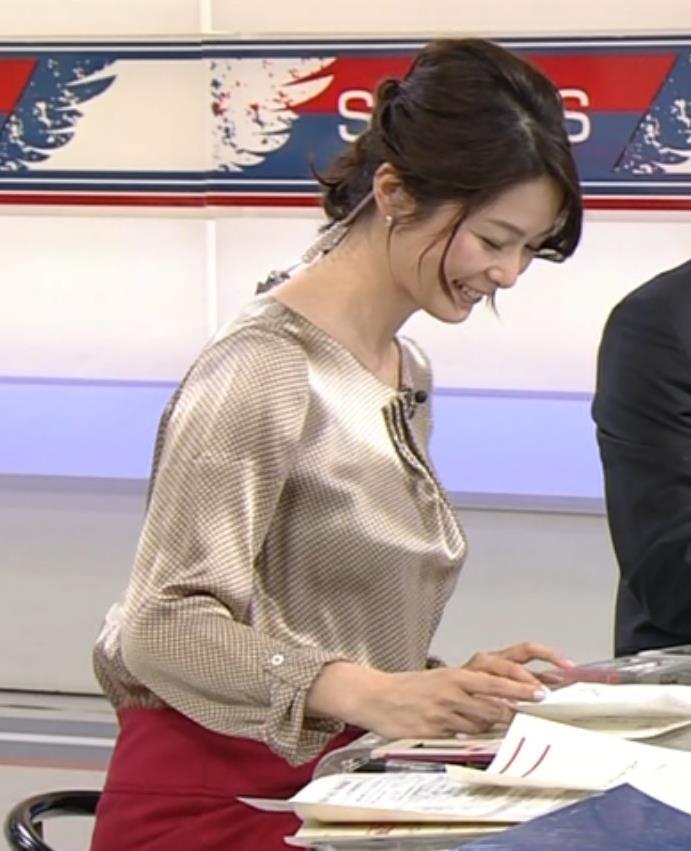 杉浦友紀 爆乳横乳 (サタデースポーツ 20160312)