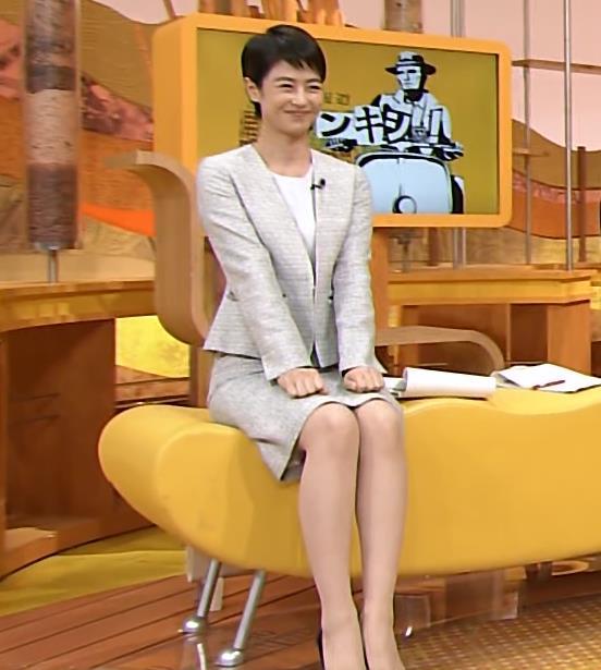 夏目三久 ミニスカート画像5