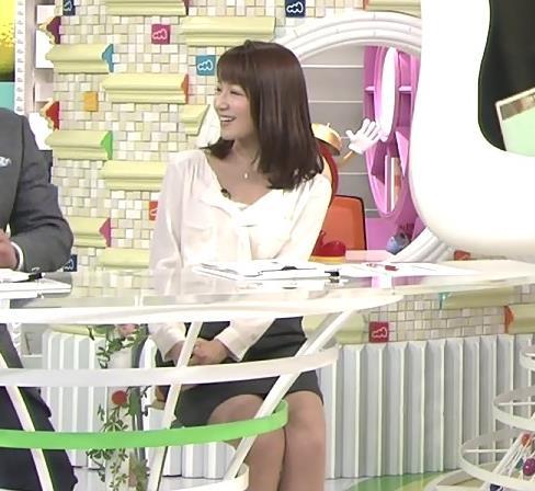 長野美郷 ミニスカート画像2