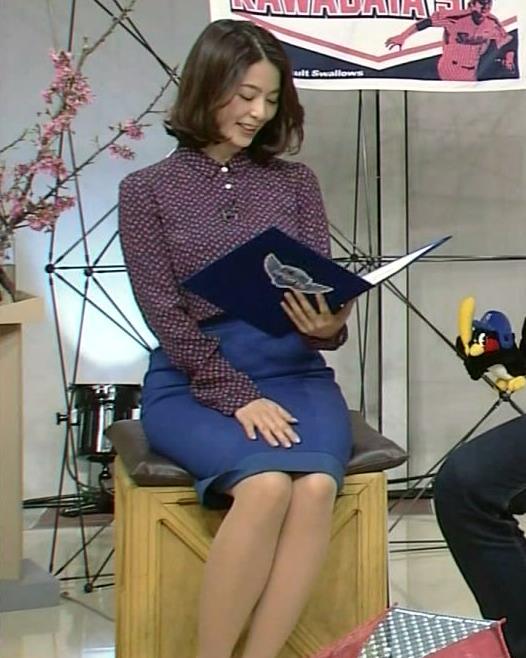杉浦友紀 スカート画像