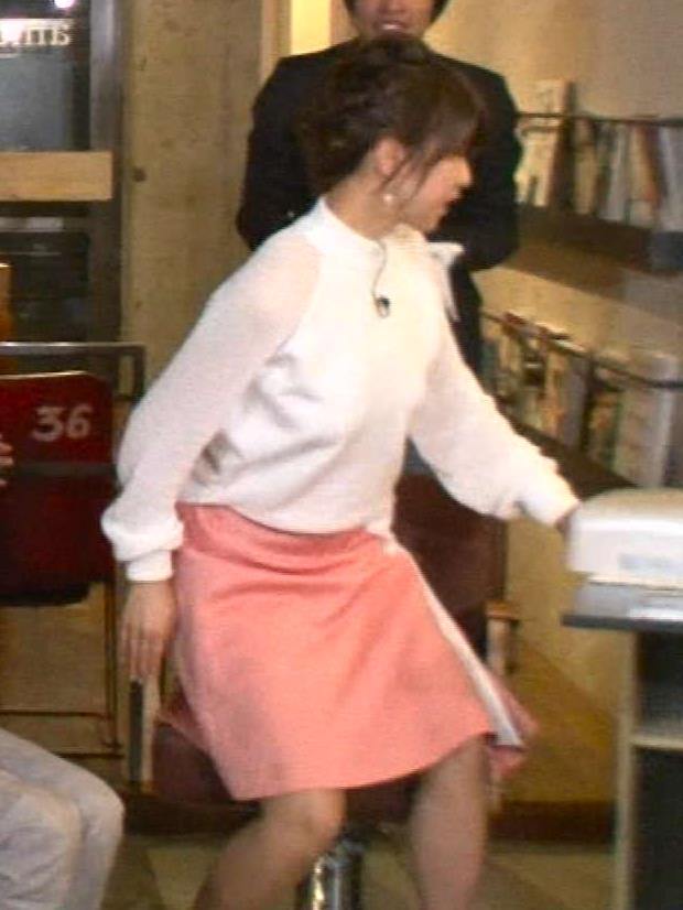 加藤綾子 ミニスカート画像8