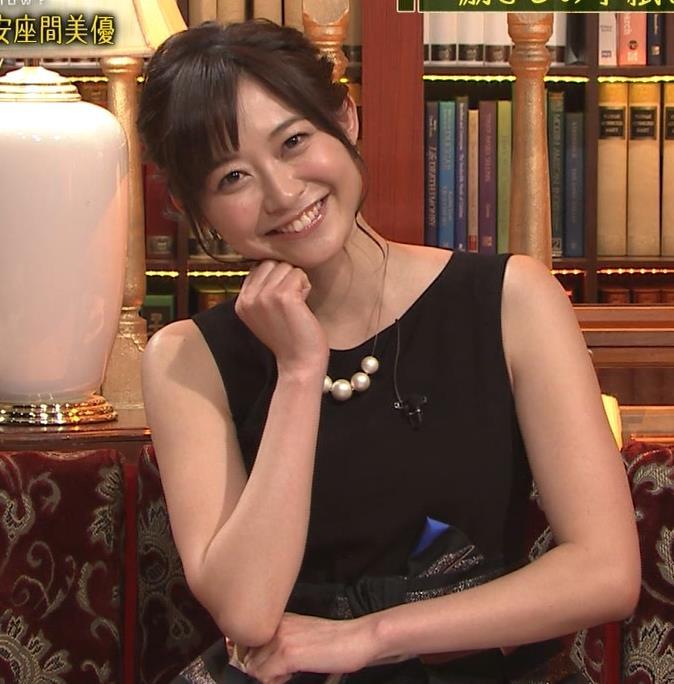 久冨慶子 セクシードレス画像2