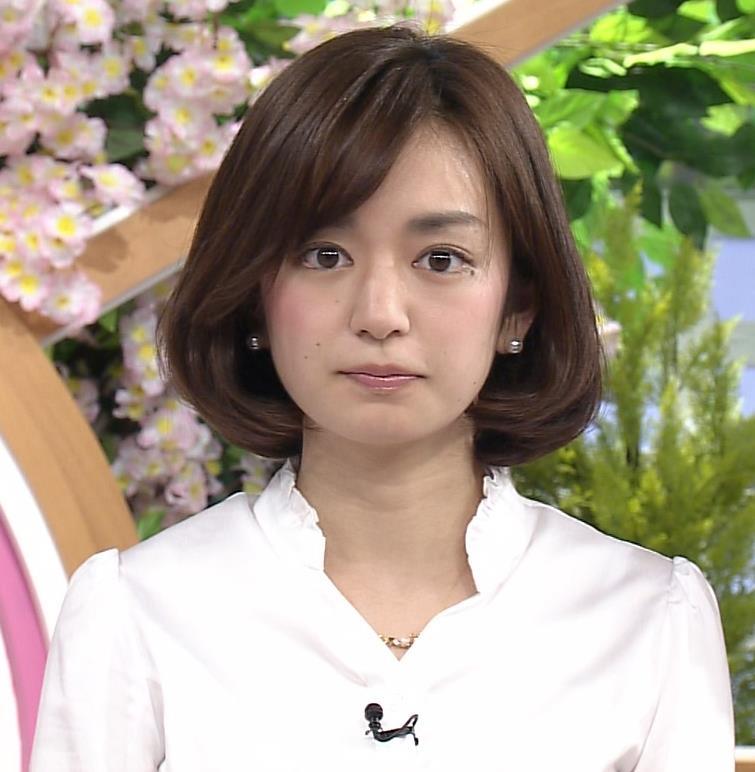 後藤晴菜 タイトミニスカート画像3