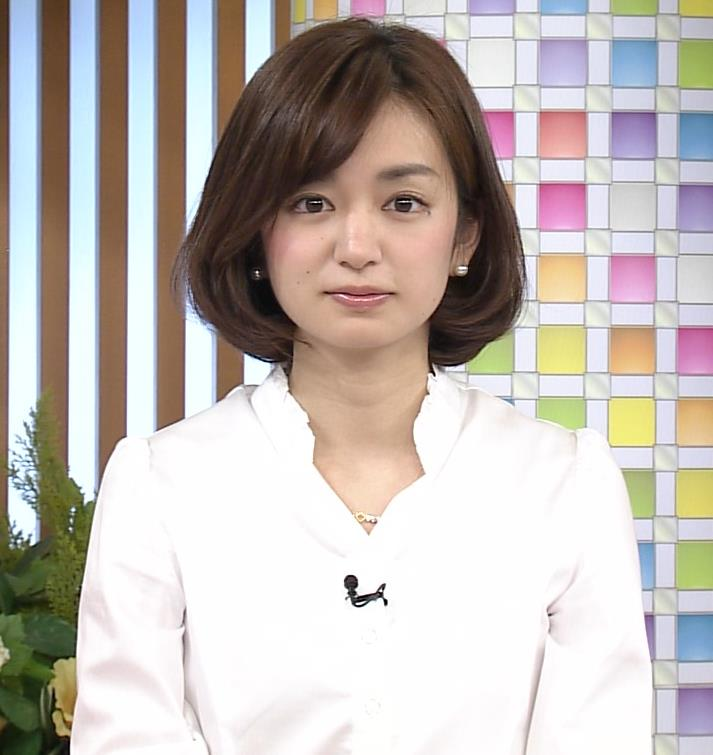 後藤晴菜 タイトミニスカート画像4