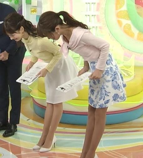 岡副麻希 ミニスカート画像