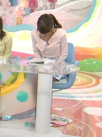 岡副麻希 ミニスカート画像3