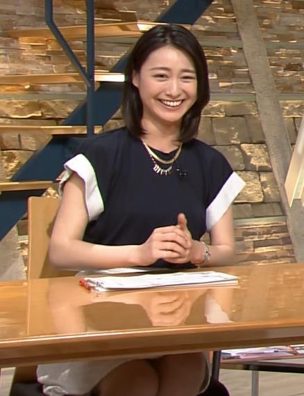 小川彩佳 服の中画像4