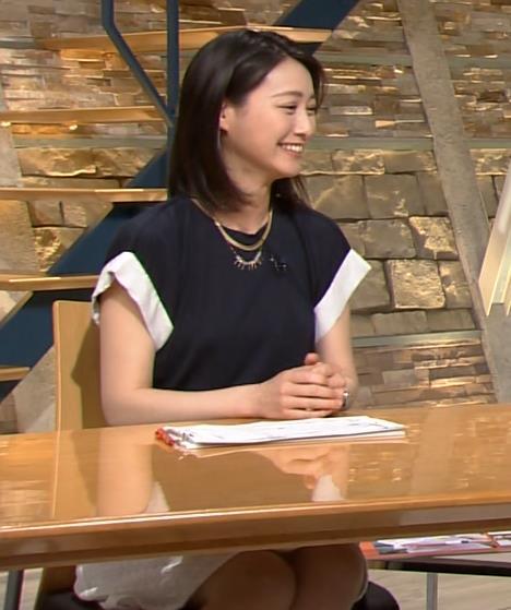 小川彩佳 服の中画像5