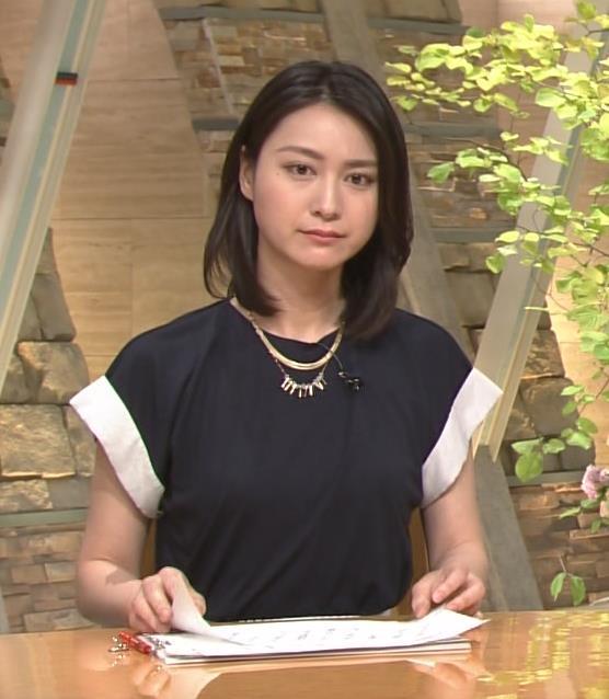 小川彩佳 服の中画像6