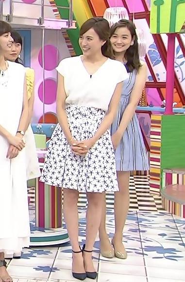 笹川友里 ミニスカート画像