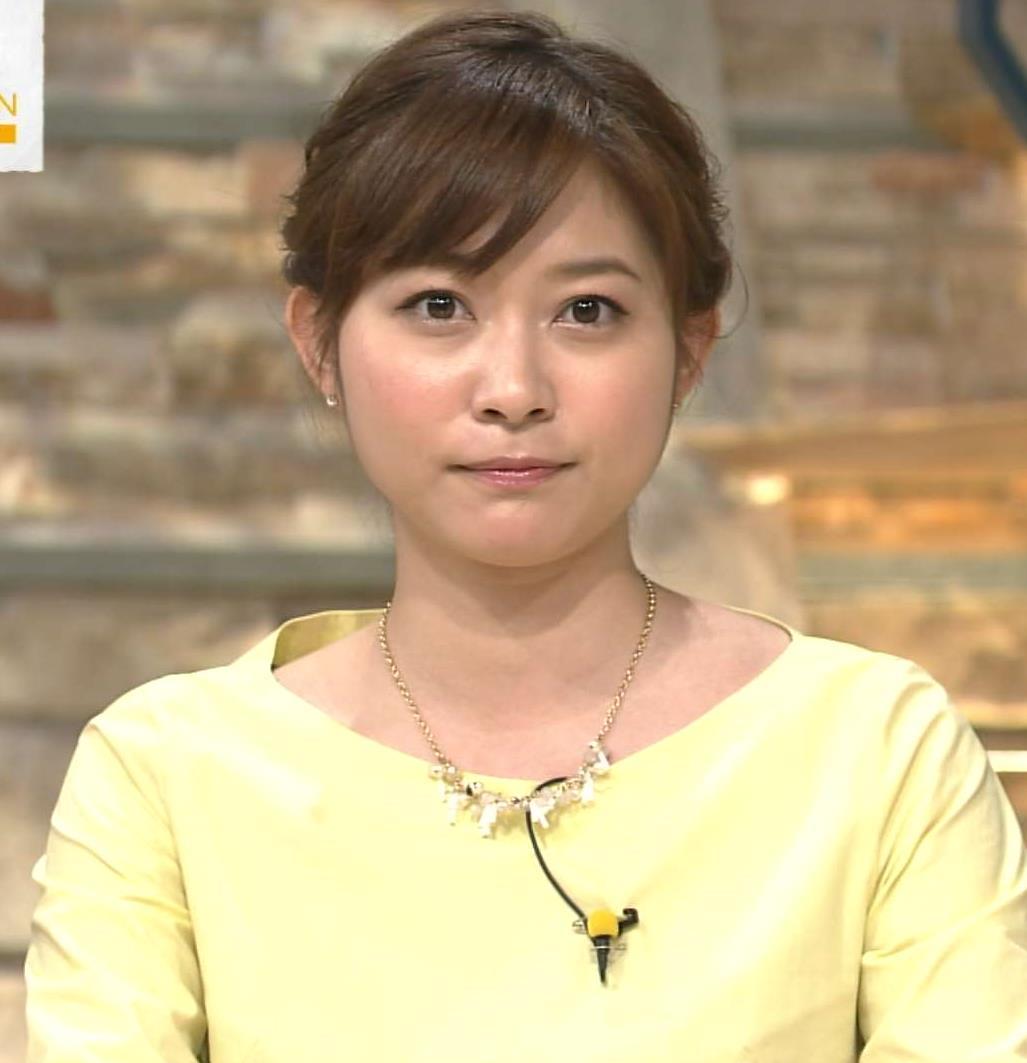 久冨慶子 ミニスカート画像