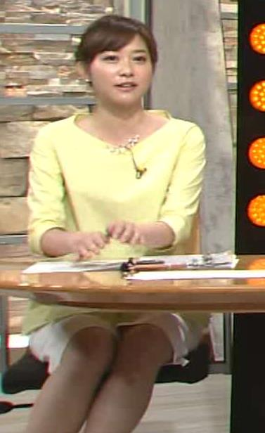 久冨慶子 ミニスカート画像5