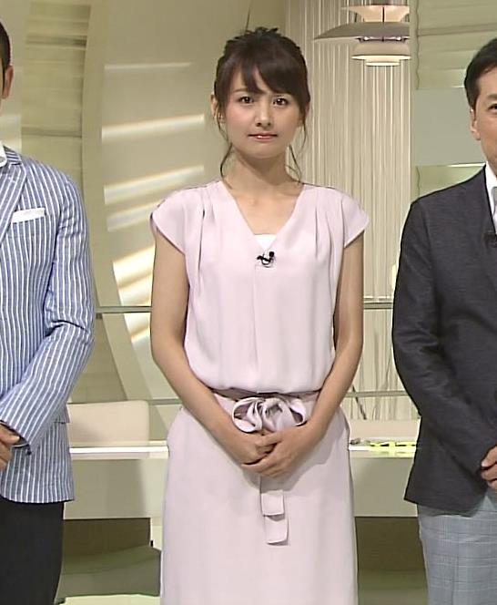 小正裕佳子 胸チラ画像2