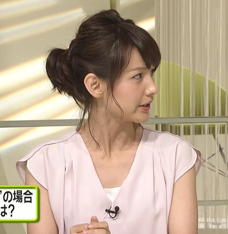 小正裕佳子 胸チラ画像4