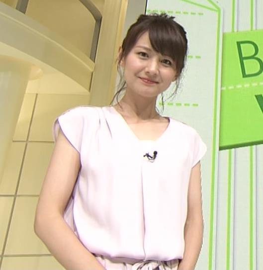 小正裕佳子 胸チラ画像7
