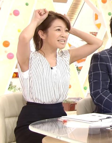 長野美郷 横乳画像13
