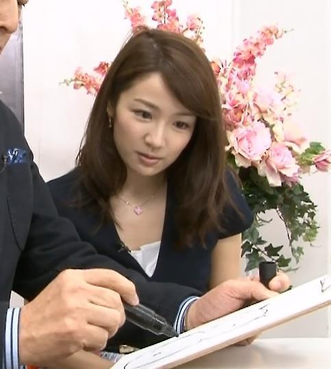 長野美郷 横乳画像8