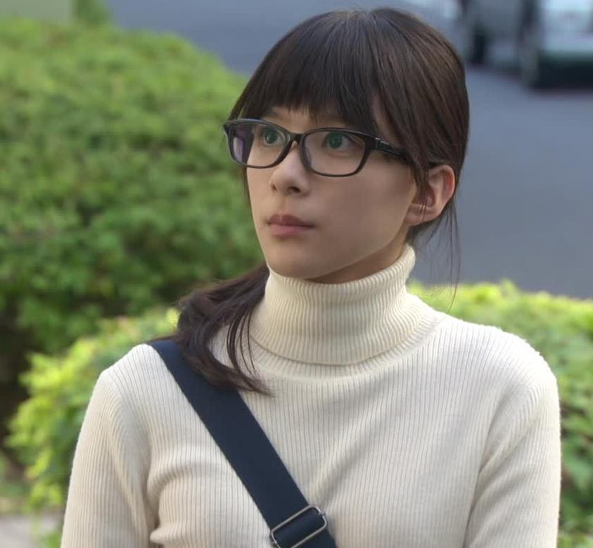 芳根京子 ニットおっぱい画像8