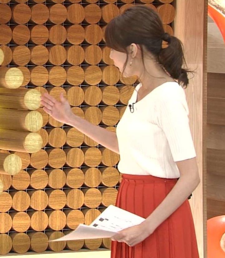 宮澤智 横乳画像
