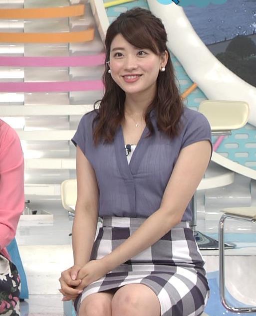 郡司恭子 タイトミニスカート画像