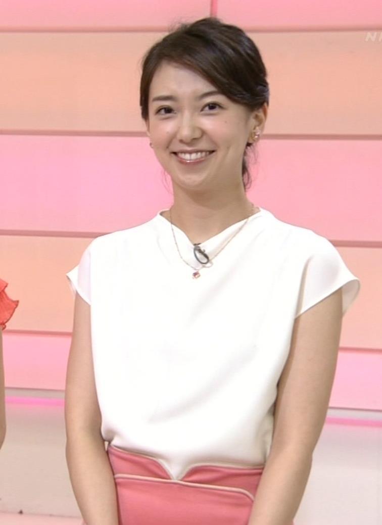 和久田麻由子 スカート画像3