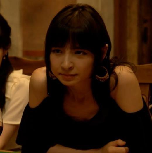 【エロ画像】篠田麻里子 警官役がかわいかったけど1話で消えた