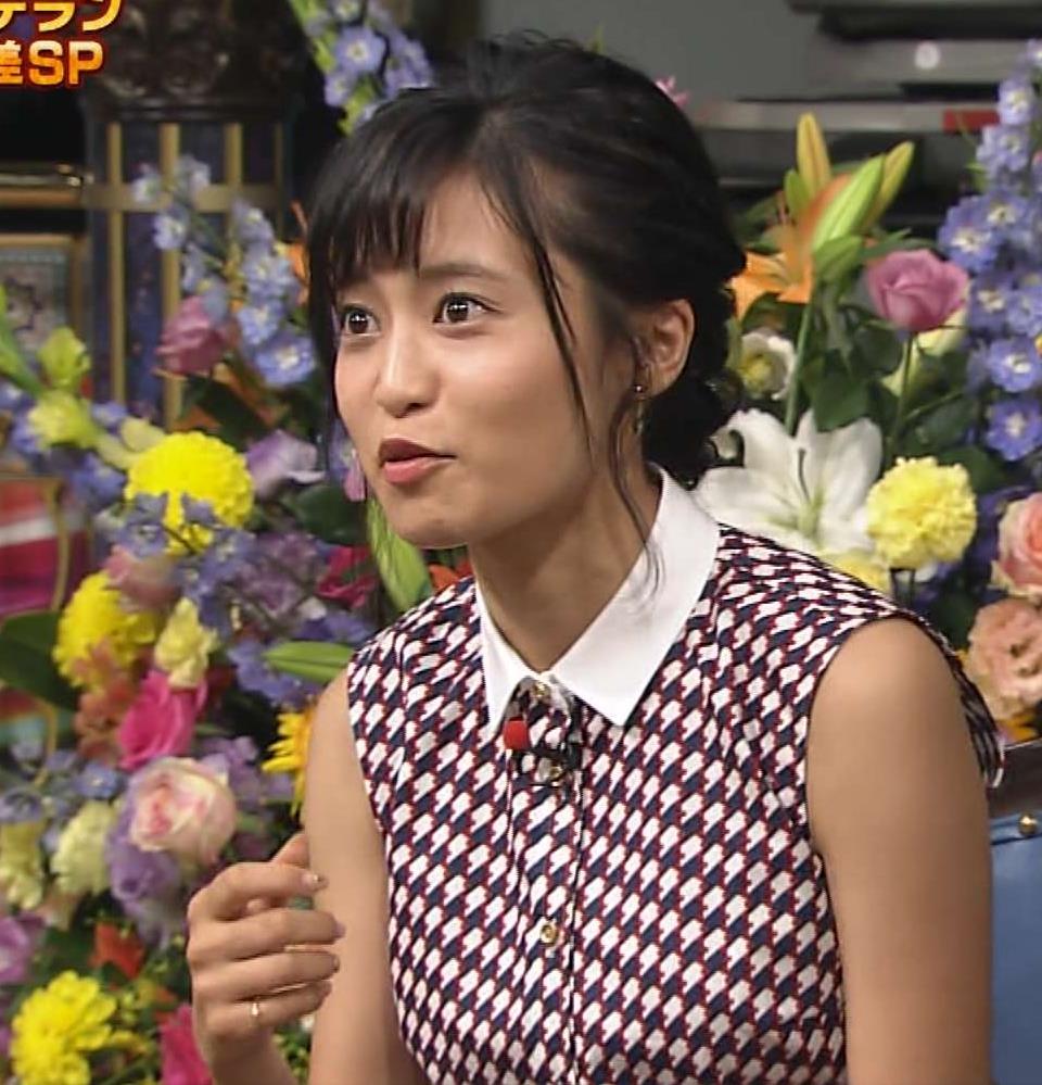 小島瑠璃子 おっぱい画像5
