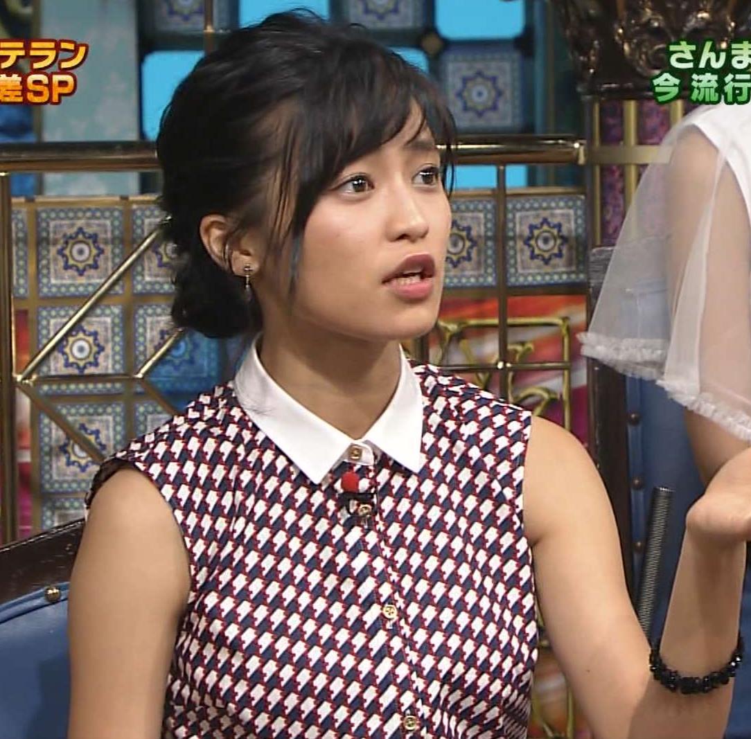 小島瑠璃子 おっぱい画像6