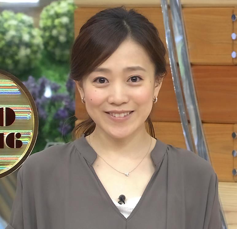 江藤愛 胸元画像7