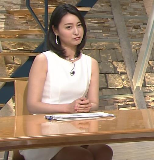 小川彩佳 ミニスカート画像6