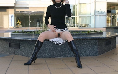 スレンダー美乳素人女性 野外露出ヌード画像 12